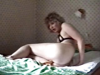 RUSSIAN LONELY MOM  (EXTREEME HOT)