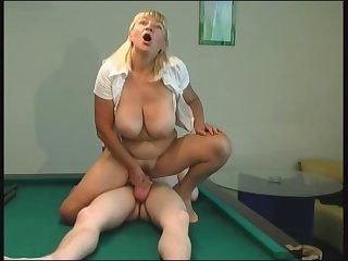 RUSSIAN MOM 16 blonde mature with a yong..