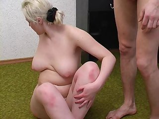Mom with good tits have a sex with guy