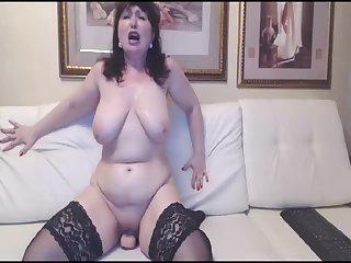 Hot Russian mature mom in stockings ride..